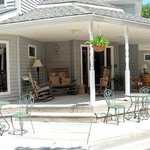 Cannan Oaks Front Porch