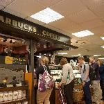 ภาพถ่ายของ Starbucks Waterstones