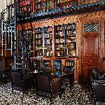 Bar bibliothèque / Library-bar