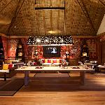 Constance Moofushi Resort, Maldives - Entertainment Lounge