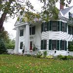 Belles maisons et arbres centenaires