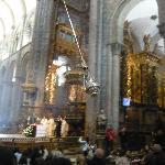 Botafumeiro ambientando la Catedral