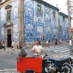 street scene in Porto
