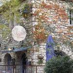 Les Mejeonnes Restaurant