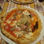 Pizza Capricciosa, Alcachofra, porccini e pressuto