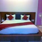 Canary Inn, Hazaribagh, suite, king size bed