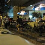 Photo de Bee Garden Cafe