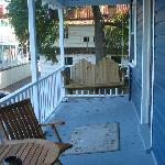 Slanty porch!