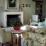 Cinnamon sitting room