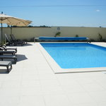 heated swimming pool 10 x 5 m