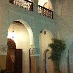 Am Abend werden im ganzen Riad Kerzen aufgestellt - eine herrliche romantische Stimmung entsteht