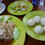 Yummy famous chicken rice ball