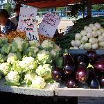 野菜の種類が豊富で大きい。