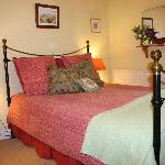 Cosy double room with ensuite shower room