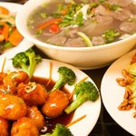 A nice variety of Chinese & Vietnamese dishes are offered...