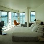 Bow Suite