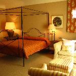 Preciosas y amplias habitaciones con baño e hidromasaje