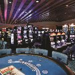 With more than 700 multi-denominational play slots, our slot floor features video poker, statewi
