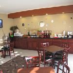 Breakfast Room - Delicious continental breakfast