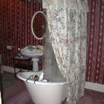 Clawfoot tub in the Granny Smith Room.