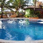 La piscina della posada.