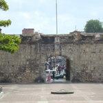 La Puerta del Conde vista desde el Parque Independencia