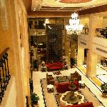 Radisson Hotel Varanasi - lobby