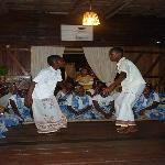 danseurs au Ravoraha écolodge