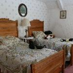 Edna's Room with two Twin Beds