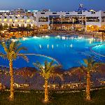 Photo de Golden 5 Topaz Suites Hotel