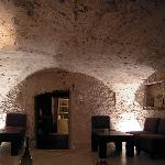 salle du bar à vins sous les voutes