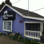 crooked house bistro