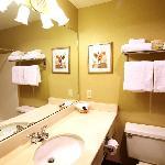 Our bathrooms - Inn at Seaside