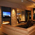 Sunrise Spa Tower Hotel suite