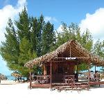 Barcito entrada a Playa Paraíso