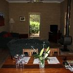 Casuarina Cottage - Living area