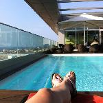 Roop top pool and bar