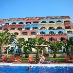 L'hôtel et les chambres vue sur mer