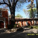 la fachada de la hacienda