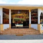 entrada principal del hostal