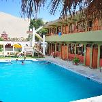 piscina, habitaciones