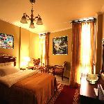 Guest Room (37148424)