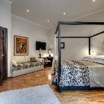 Flavia Apartment - Main Bedroom