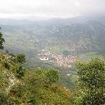 Arenas de Cabrales y El Torrejón vistos desde arriba