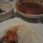 Chicken vindaloo with rice
