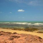 Visão do extremo norte da Praia de Simbauma