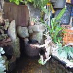 Kleine Fontaine am Eingang