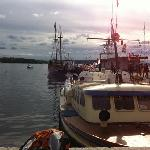 Tradisjonal sightseeing boats and historical old sailships
