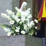 statue de notre-dame de la trinité