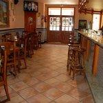 Disponemos de bar abierto todos los días del año desde las 9:00 horas hasta cierre.